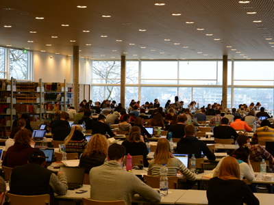 Right click to download: Lesesaal in der Hauptbibliothek
